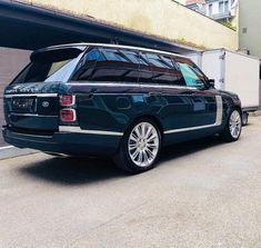 Exceptional Beauty Ii on Amazing Cars Photo 1385 Range Rover 2018, Range Rover Svr, The New Range Rover, Suv Cars, Car Car, Best Suv, New Sports Cars, Sport Cars, Jaguar Land Rover