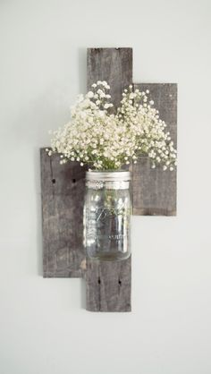 reclaimed+barn+wood+wall | Reclaimed Barn Wood Mason Jar Wall Vase by DesignsbyMJL on Etsy-to go with the pallet wall bathroom...maybe put a mason jar soap disp. in it instead..