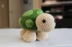 Sheldon the little turtle amigurumi crochet pattern free download on amigurumipatterns.net at http://www.amigurumipatterns.net/Other-Animals/Sheldon-the-little-turtle/