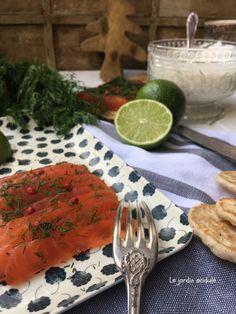 Saumon gravlax - saumon cru mariné à la suédoise. - LE JARDIN ACIDULÉ Kale, Entrees, Fish, Tableware, Comme, Alternative, Pisces, Skinny Kitchen