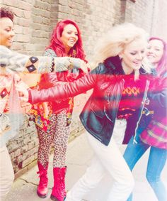 Little Mix(: love this pic SOO much! Little Mix Jesy, Little Mix Style, Little Mix Girls, Uk People, Jesy Nelson, Love My Family, Perrie Edwards, Mixers, Girl Bands