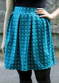 xxxxx Fabric Design, Pattern Design, Textile Company, Straight Stitch, Stitch Design, Wedgwood, Tulips, Sewing Patterns, Retro