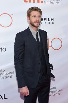 Liam Hemsworth Photos - 2015 Toronto International Film Festival - 'The Dressmaker' Premiere - Arrivals - Zimbio