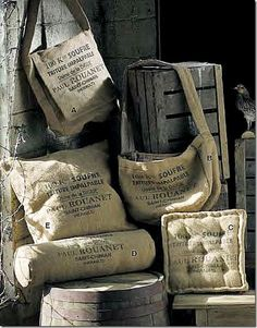 These burlap coffee bags can be transformed into such beautiful pieces with a… Burlap Projects, Burlap Crafts, Coffee Bean Sacks, Coffee Beans, Sac Vanessa Bruno, Burlap Coffee Bags, Burlap Sacks, Hessian Bags, Feed Bags