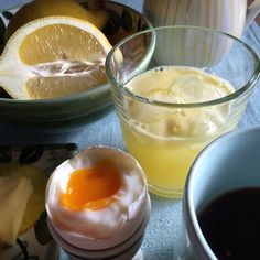 Another morning at home. Panna Cotta, Pudding, Breakfast, Ethnic Recipes, Desserts, Food, Morning Coffee, Dulce De Leche, Meal