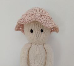 Ravelry: Clothes for The Oak Folk Set J pattern by Sandra Magalhães Crochet Yarn, Knitting Yarn, Baby Knitting, Knitting Patterns, Knitted Baby Outfits, I Cord, Dk Weight Yarn, Knitted Animals, Cascade Yarn