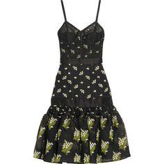 Alexander McQueen Satin-trimmed silk-blend jacquard and tulle dress (56.685 ARS) ❤ liked on Polyvore featuring dresses, alexander mcqueen, print dress, flare cocktail dress, drop-waist dresses, flare dress and drop waist dress