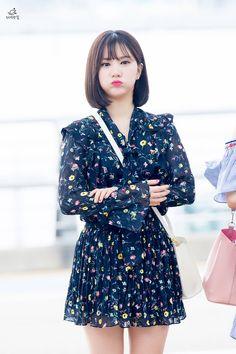 Look Fashion, Korean Fashion, Fashion Beauty, Girl Fashion, Asian Woman, Asian Girl, Pretty Asian, G Friend, Airport Style