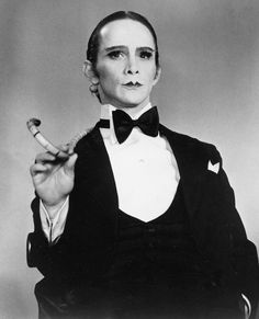 Joel GREY (b. 1932) [Filmsite] Active since 1951 > Born Joel David Katz 11 April 1932 Ohio > Other: Dancer, Singer, Photographer > Spouse: Jo Wilder (1958-82 div) > Children: 2 (including Dirty Dancing actress Jennifer Grey). Notable Films: Cabaret (1972); The Seven-Percent Solution (1976); Remo Williams: The Adventure Begins (1985) / Photo: 40 years of Cabaret