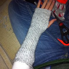 Knitted arm warmer