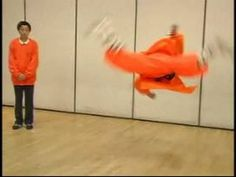 ▶ Shaolin Kung Fu Stretches & Moves : Butterfly Kick in Shaolin Kung Fu - YouTube