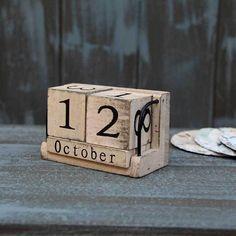 Home Wood Calendar Small Desk Vintage Calendar Wooden Calendar, Vintage Calendar, Wood And Metal Desk, Wooden Desk, Block Calendar, Minion, Desktop Decor, Shabby, Log Furniture
