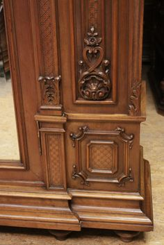Regency bombe armoire and bed in walnut - Bedrooms - Houtroos
