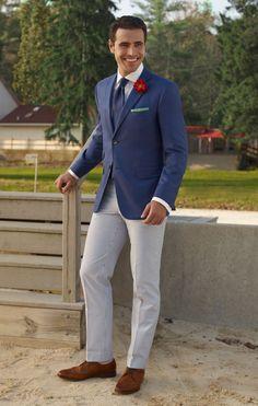 Blauw maatcolbert met wit maathemd en streep pantalon. www.het-pakhuys.nl