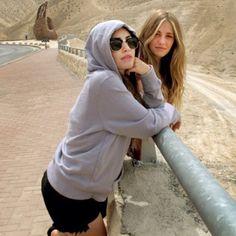 #lalochi posando natural para la foto✌️ Series Movies, Instagram, Teen, Celebs, Couple Photos, Pretty, Nature, Home, Brunettes