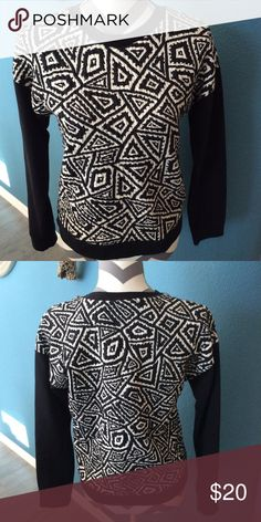 Zara printed sweatshirt, SZ S Zara black and ivory printed sweatshirt with solid black sleeves and black trim at the crew neck line and the bottom him lots of texture to the fabric, quite warm Zara Tops Sweatshirts & Hoodies