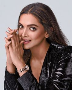 Welcome to Daily Bollywood Queens your source for all the amazing women of Bollywood we track. Deepika Ranveer, Deepika Padukone Style, Bollywood Stars, Bollywood Fashion, Bollywood Makeup, Indian Bollywood, Bollywood Celebrities, Bollywood Actress, Deeps