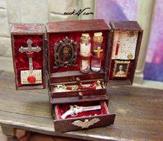 Miniature Vampire Hunter kit by EVMiniatures Haunted Dollhouse, Dollhouse Miniatures, Dollhouse Ideas, Miniature Furniture, Dollhouse Furniture, Doll House Crafts, Doll Houses, Vampire Hunter, Demon Hunter