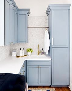 I'm so glad I got the laundry done yesterday but I could do laundry every single day in this space by @Stephaniegambleinteriors! Beautiful, isn't it?! This is one of my inspo photos for cabinet color in our new build laundry room in my recent update about our #finallyhomeproject. I hope you'll pop over to see all of the inspiration I shared for most rooms of the house when you have a chance (via link in profile)! Color is BM Van Courtland Blue!! Have a beautiful Tuesday