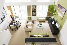 Small apartment with double height ceilings and volume
