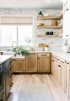 Kitchen Redo, Home Decor Kitchen, Kitchen Interior, New Kitchen, Home Kitchens, Design Kitchen, Kitchen Ideas, Island Kitchen, Kitchen With Wood Cabinets