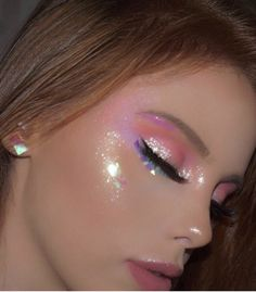 Easy Eye-Catching makeup looks that can make all the difference - Inspired Beauty You can never have to much glitter make up cute Cute Makeup Looks, Makeup Eye Looks, Creative Makeup Looks, Eye Makeup Art, Pink Makeup, Pretty Makeup, Face Makeup, Gorgeous Makeup, Pink Highlighter Makeup