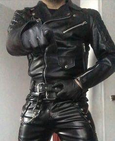 Kerls in Leder Mens Leather Pants, Motorcycle Leather, Biker Leather, Leather Briefcase, Leather Gloves, Black Leather, Leather Jackets, Men's Briefcase, Mens Gloves