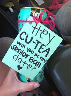 Super cute and super cheap Promposal for your damas and chambelanes dimple joon . - Super cute and super cheap Promposal for your damas and chambelanes dimple joon - High School Dance, School Dances, Brooklyn And Bailey, Cute Homecoming Proposals, Homecoming Dresses, Prom Posals, Formal Proposals, Bridesmaid Proposal, Bridesmaids