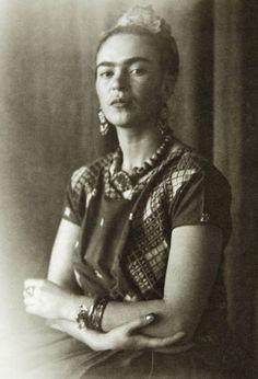 Frida KAhlo by Nickolas Muray c 1939