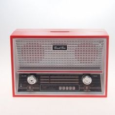 Cofre radio antigo vermelho Radios, Radio E Tv, Poste Radio, Transistor Radio, Celebration Quotes, Architecture, Retro, Sons, Design