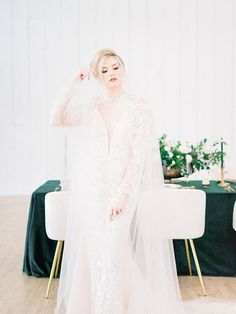 Glamorous Green and Gold Vintage Barn Wedding Bridal Cape, Bridal Gowns, Fitted Lace Wedding Dress, Wedding Dresses, Tall Flower Arrangements, Dress Rental, Flatlay Styling, Space Wedding, Barn Wedding Venue