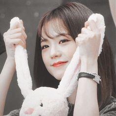 𝒑𝒋𝒔𝒇𝒐𝒓𝒍𝒐𝒗𝒆 ⤾˚ ༘ ◡̈ - - 𝒑𝒋𝒔𝒇𝒐𝒓𝒍𝒐𝒗𝒆 ⤾˚ ༘ ◡̈ ʚ blackpink ɞ Yg Entertainment, K Pop, Kim Jisoo Blackpink, South Korean Girls, Korean Girl Groups, Lisa Park, Black Pink ジス, Adventure Time, Blackpink Funny