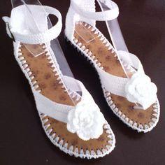 Sandalia tejida. #purocroche#hechoencolombia #tejiditos #tallas#colores #hechoamano#artesal.