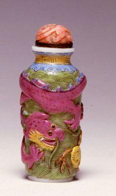 An opaque white glass snuff bottle, Beijing, 1800-1850.