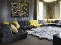 Elle Macpherson's cinema lounge at her home in the Cotswolds Luxury Interior, Interior Architecture, Interior Design, Sofa Futon, Living Room Designs, Living Room Decor, Modul Sofa, Cinema Room, Cinema Cinema