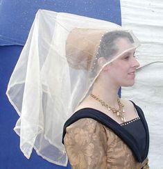 Medieval Bride: Medieval crazy women's hats