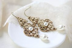 Antique gold pearl drop Swarovski crystal golden shadow bridal earring – Treasures by Agnes Pearl Earrings Wedding, Swarovski Crystal Earrings, Bridal Earrings, Gold Earrings, Wedding Jewelry, Ivory Pearl, Antique Gold, Pearls, Drop