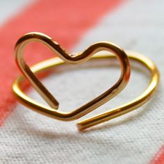 TUTORIAL!!!   Like this, but scroll/finish the ends - could also be a bracelet Wire Heart Midi Ring