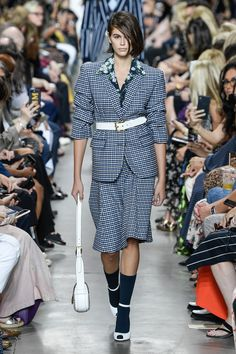Michael Kors Collection Spring 2020 Ready-to-Wear Fashion Show - Vogue 2020 Fashion Trends, Fashion Week, Fashion 2020, Runway Fashion, Spring Fashion, Rihanna, Victoria Secrets, Tory Burch, Michael Kors Collection