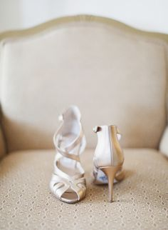 Lovely champagne colored bridal shoes by Monique Lhuillier! | Brian LaBrada Photography