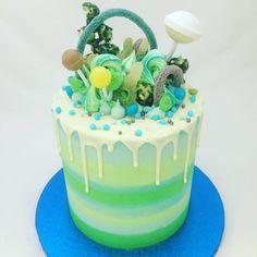 Super sweetie cake in greens and blues  #sweetiecake #stripes #stripedcake #birthdaycake