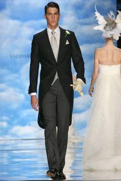 Victorio & Luchino chaqué Wedding Men, Wedding Suits, Wedding Events, Wedding Dresses, Weddings, Wedding Ideas, Taxido Suit, Great Clothes For Men, Tuxedo For Men