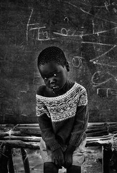 "Africa | ""Field School Natinga for displaced Sudanese. South Sudan"" | ©Sebastiao Salgado, 1995"