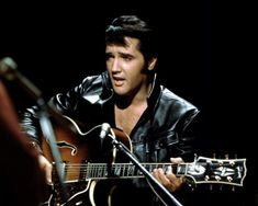 See the latest images for Elvis Presley. Listen to Elvis Presley tracks for free online and get recommendations on similar music. Priscilla Presley, Elvis And Priscilla, Lisa Marie Presley, Elvis 68 Comeback Special, Don Mclean, Best Love Songs, Elvis Presley Photos, American Pie, Bathrooms