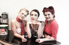 30's, 40's and 50's eras.  Hair, makeup, styling and clothing by Miss Dixiebelle