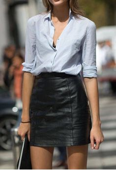 Street Style: Milan Fashion Week Spring 2014 Pair your leather skirt with a button down shirt for a simple, yet elegant style. The post Street Style: Milan Fashion Week Spring 2014 appeared first on Best Of Likes Share. Milan Fashion Week Street Style, Spring Street Style, New York Fashion, Summer Street, Street Chic, Spring Style, Latest Fashion, Fashion Trends, Trendy Fashion