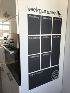 Do you have a chalkboard in your home? Small Space Interior Design, Interior Design Living Room, Home Office, Home Organisation, Ideias Diy, Diy Chalkboard, Home And Living, Home Kitchens, Locker Storage