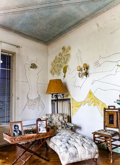Apartment Walls, Victorian Townhouse, Interior And Exterior, Interior Design, Pastel Room, Hand Painted Walls, Dining Room Walls, Relax, Decoration