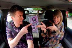 """Taylor Swift se empolga cantando """"Blank Space"""" - http://metropolitanafm.uol.com.br/novidades/entretenimento/taylor-swift-se-empolga-cantando-blank-space"""