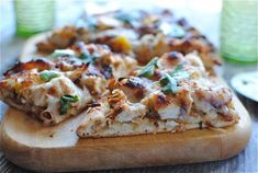 Tandoori Chicken Naan Pizza - oh ma gah. I will be making this very soon and adopting if for a chicken tikka pizza.